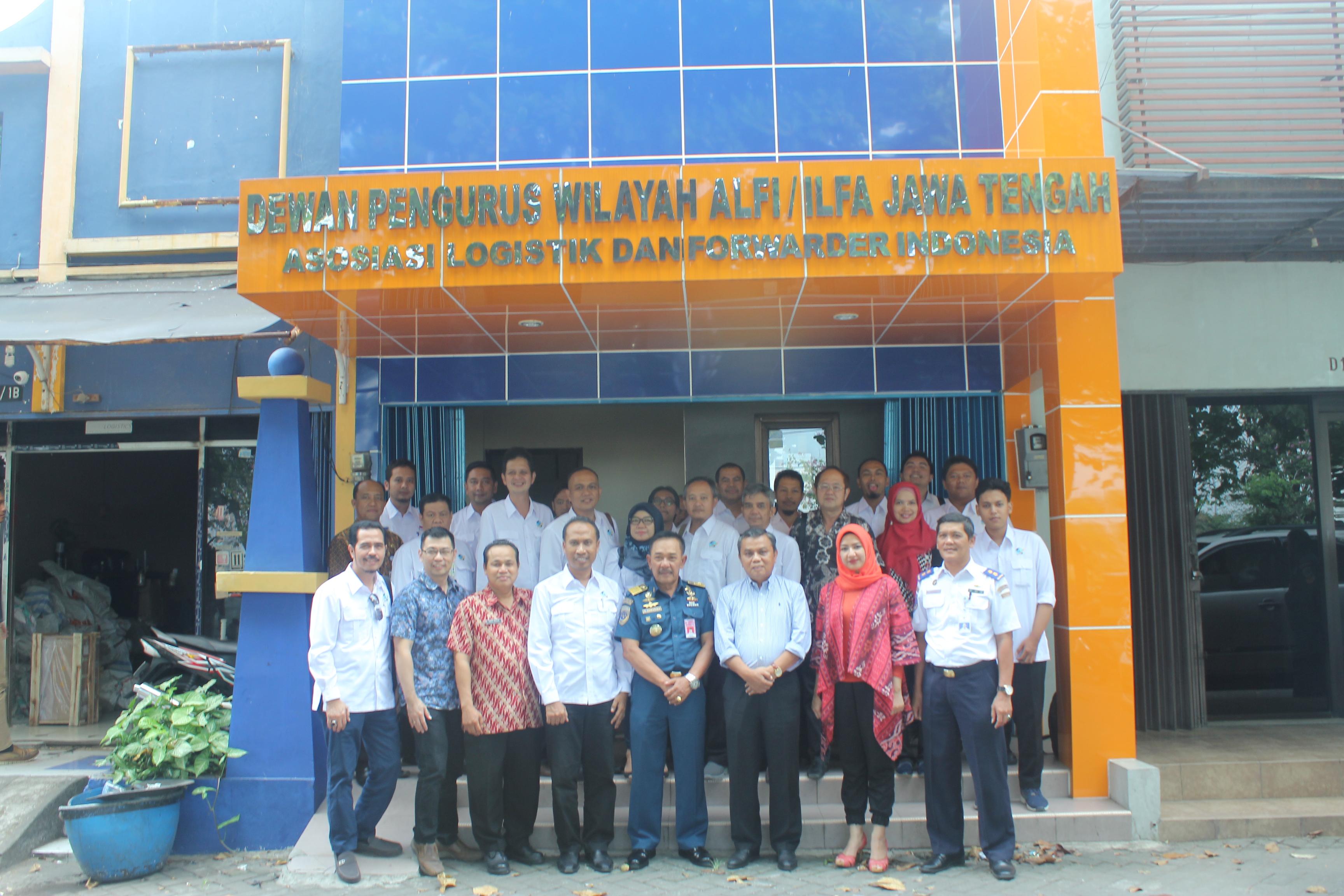 Team Persiapan Kadin Award 2017 yang terdiri dari perwakilan KSOP, GINSI, INSA, Dishub, DPMPTSP